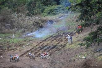 Bewirtschaftung der Felder. Leider wird immer noch mit Feuer gearbeitet.